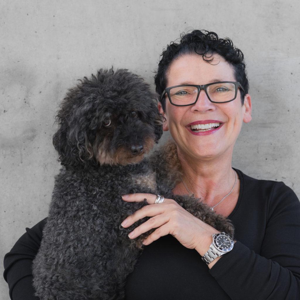 Petra Kurz-Ottenwälder Hund Design ist keine Geschmackssache Tina Teucher Wirtschaftsgipfel Remstal
